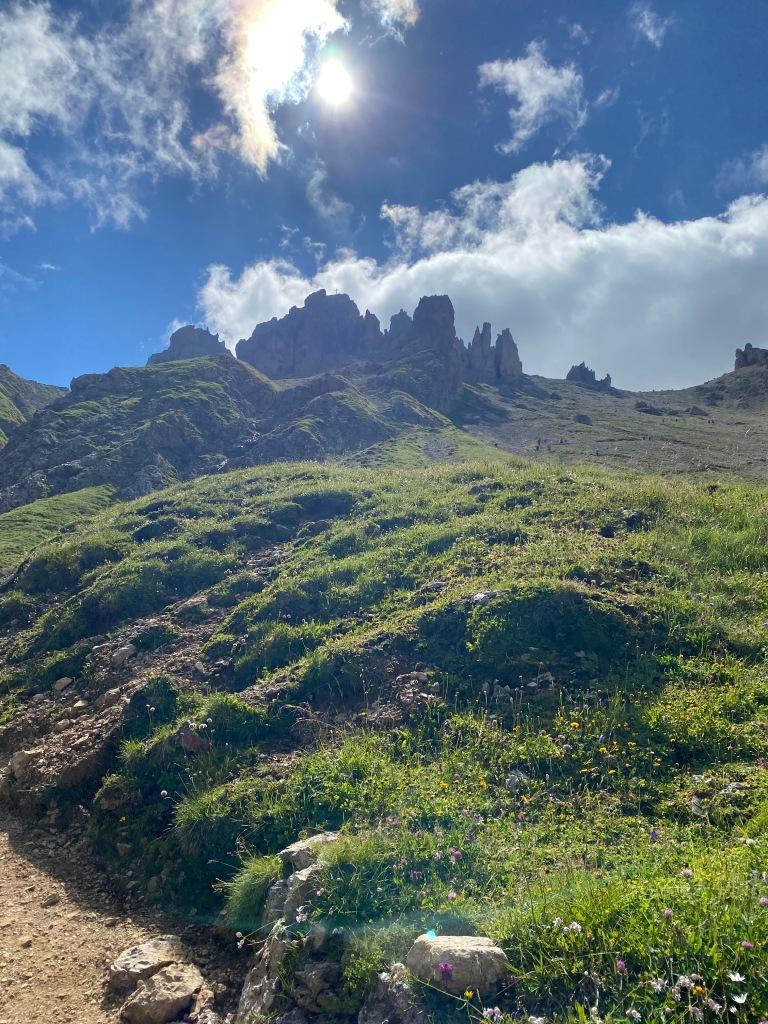 Sentiero verso rifugio alpe di tires